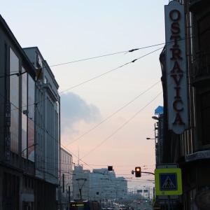 Pohled na večerní Ostravu v okolí komplexu budov zvaných Ostravica Textilia.