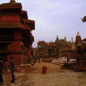 Jeho otec zachytil situaci bezprostředně po zemětřesení, foto: Niranjan Shanker Shrestha