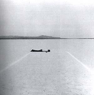 WalterDeMaria-Mile-Long-Drawing-Mojave-Desert-1968